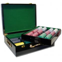 500 suited poker chip set in a humidor style case