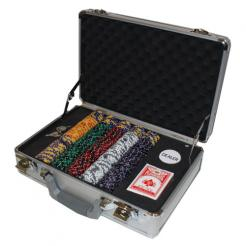 300 ace king poker chip set in a claysmith aluminum case that includes 3 chip trays